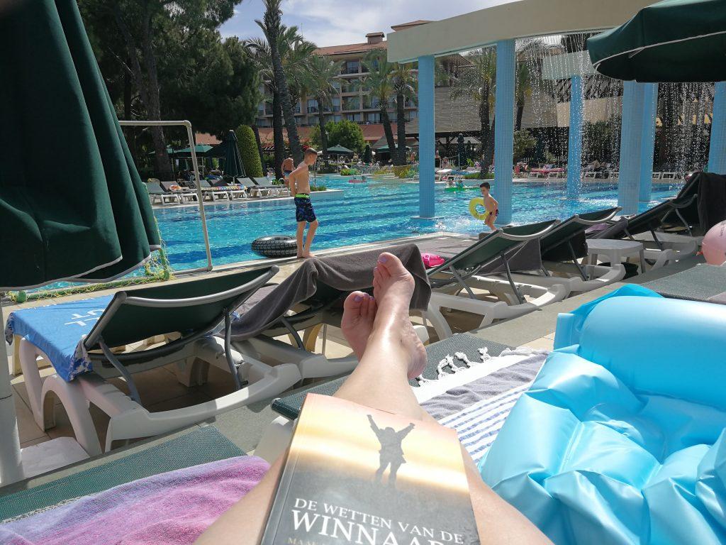 lezen-aan-het-zwembad-ondernemen-wendy-koning
